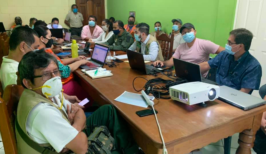 Secretario Ejecutivo del CONAP coordina acciones para el combate de incendios en Petén
