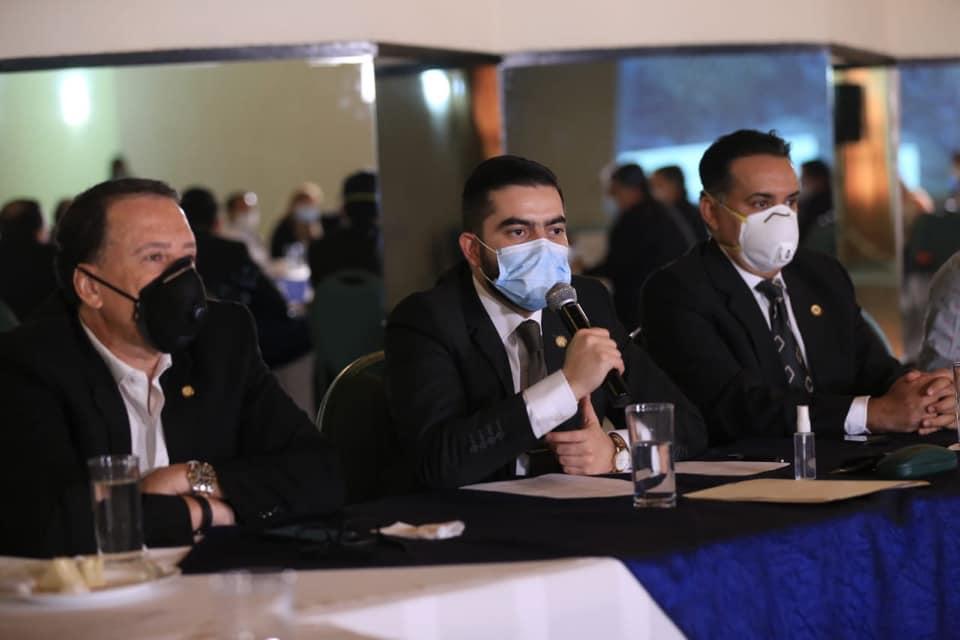 Centro de Gobierno y Conap reunidos para coordinar acciones contra incendios forestales en Guatemala