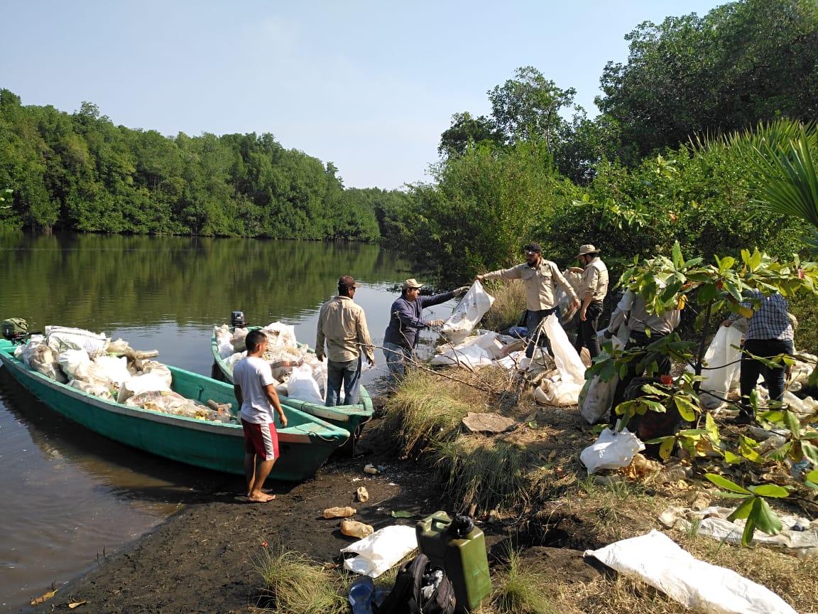 Contaminación en los mares y acciones del CONAP
