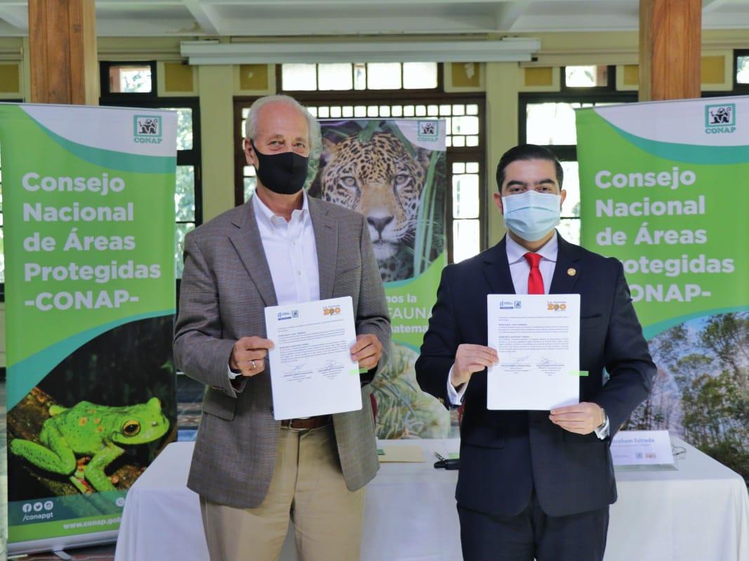 Firma de convenio de cooperación CONAP y AGHN